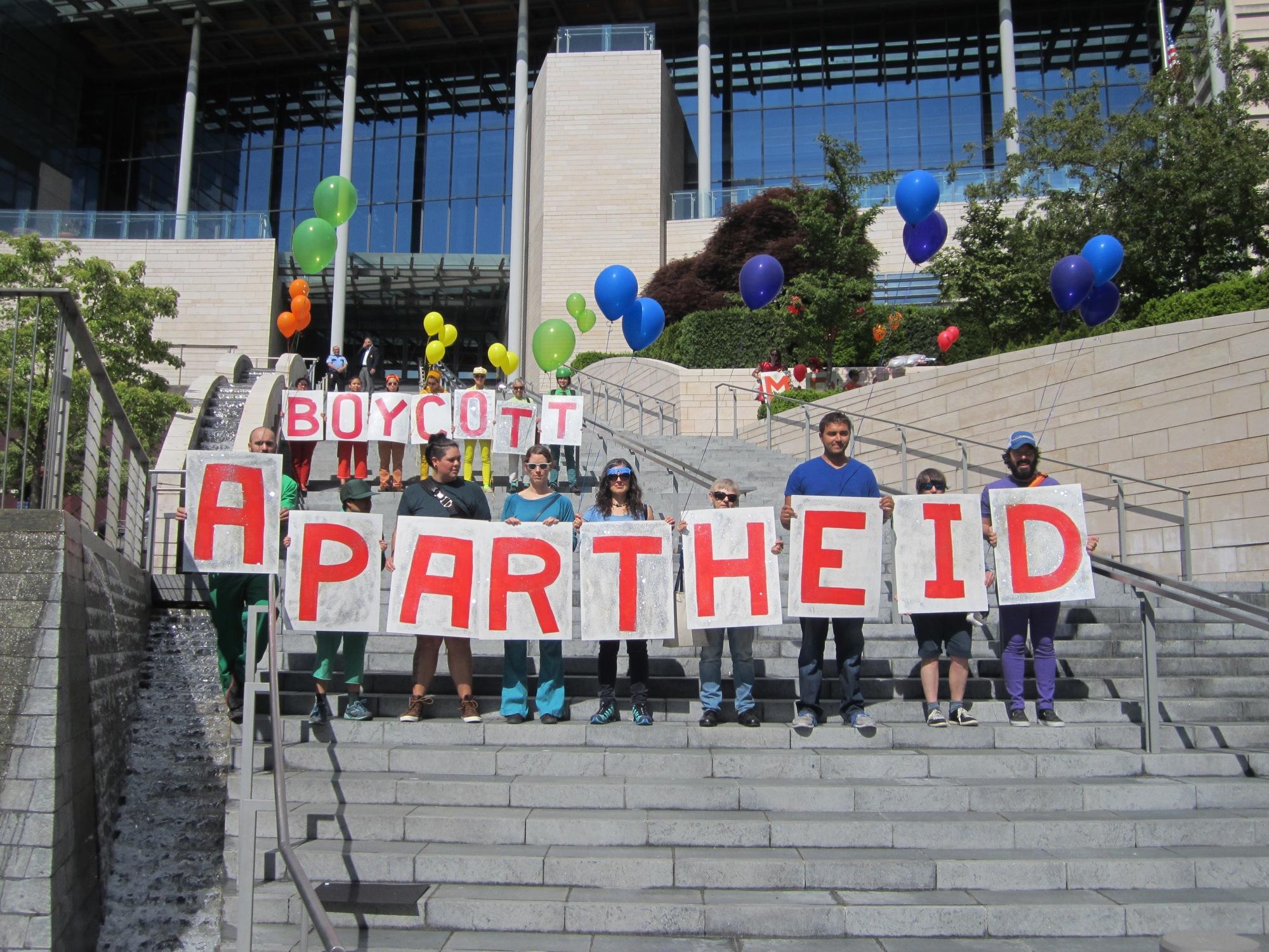 boycott apartheid on city steps